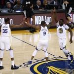 [NBA PO] GSW, SAS 제압…NOP와 PO 2라운드에서 격돌