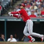 "MLB.com ""오타니, 메이저 첫 멀티포로 LAA 승리 이끌어"""